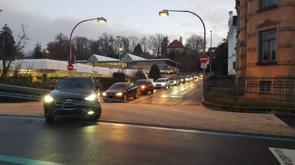 Beispiel zur Verdeutlichung: Verkehr Kreuzung Charlottenstrasse/Krämerstrasse – Dienstag 10. Dez. 2019, 07:53